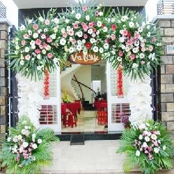 Trang trí cổng cưới hoa tươi mã HT01